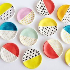 Ceramic painting - Clever Ceramic Pottery Painting Ideas to Inspire Your Next Project – Ceramic painting Pottery Painting Designs, Pottery Designs, Paint Designs, Pottery Painting Ideas Easy, Pottery Ideas, Pottery Patterns, Painting Pottery Plates, Pottery Gifts, Clay Projects