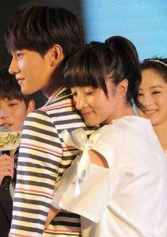 Tornado Gif, Girl Actors, Actors & Actresses, One Punch Man Wallpapers, Honda Xr, Yang Yang Actor, Chines Drama, Sign Language Alphabet, Tornado Tattoo