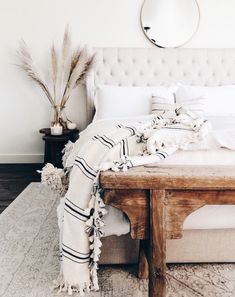 bedroom A mix of mid-century modern bohemian and industrial interior style. Home and apartment decor decoration ideas home design bedroom livi Farmhouse Master Bedroom, Master Bedroom Design, Home Decor Bedroom, Bedroom Furniture, Bedroom Ideas, Bedding Decor, Bedroom Rustic, Bedroom Modern, Diy Bedroom