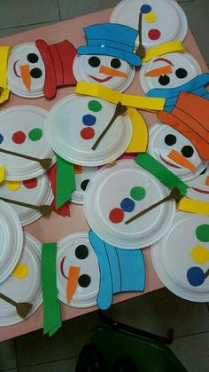 40 Brilliant DIY Snowman Craft Ideas For Amazing Winter - Cartoon District 40 Brilliant DIY Snowman Crafts Ideas for Amazing Winter Kids Crafts, Daycare Crafts, Christmas Crafts For Kids, Christmas Activities, Toddler Crafts, Christmas Projects, Preschool Crafts, Kids Christmas, Holiday Crafts