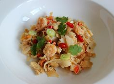 Chicken and Shrimp Pad Thai. This noodle dish makes a perfect quick and easy meal! Grilled Cheese Recipes, Spicy Recipes, Salad Recipes, Chicken Recipes, Cooking Recipes, Yummy Recipes, Shrimp Pad Thai, Chicken And Shrimp, Meals To Make With Chicken