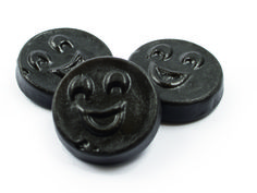 Sonrisas de Regaliz Licorice www.saetsweets.com Candy, Drop, Personalized Items, Recipes, Sweets, Ripped Recipes, Candy Bars, Cooking Recipes