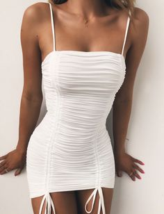 Nice 100 Ideas of Short Summer Dresses To Look Hot Club Outfits For Women, Mode Outfits, Girly Outfits, Cute Casual Outfits, Sexy Outfits, Pretty Outfits, Pretty Dresses, Stylish Outfits, Dress Outfits