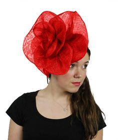 Chapeau bibi cubain Rose rouge pour les mariages, les courses et événements spéciaux avec bandeau