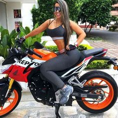 Ya screw the bike ill give her a bike like that to come see me..Bet that!!!