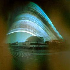 https://flic.kr/p/GeqmYu | Cúpula del cine IMAX de Madrid | Solarigrafía de las instalaciones de los cines IMAX de Madrid. Tiempo de exposición: 01/08 a 20/12/2014 Cámara estenopeica de proyección cilíndrica. Plano focal orientado a SO. ©Diego López Calvín #solarigrafía #solarigraphy #IMAX #cine #pinholephotography #estenopeica #madrid