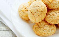 Malzemeleri oldukça basit ve ekonomik, Ege kahvaltısı tadında bir kurabiye taze ya da tuzsuz lor peyniriyle hazırlanan lorlu kurabiye tarifi.
