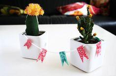 Make a mini bunting - Washi Tape Crafts