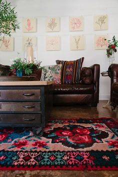 How To Style A Leather Couch 8