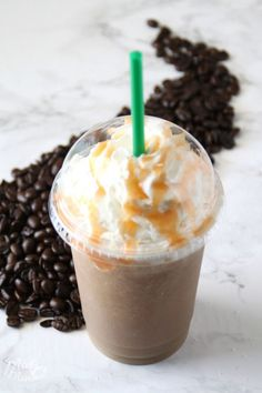 This Salted Caramel Frappuccino Starbucks Drink Copycat is amazing, it took a bit for me to get the recipe just right but it is perfect! I know you are going to love this Salted Caramel Frappuccino that you can make right at home! Starbucks Vanilla, Starbucks Caramel, Starbucks Recipes, Starbucks Drinks, Coffee Recipes, Coffee Drinks, Starbucks Coffee, Iced Coffee, Caramel Frappuccino