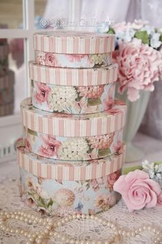 Pretty and pink flower boxes #shabbychicpink