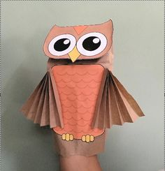 Whoooo wants to make a Paper Bag Owl Puppet? All the kids will and this simple puppet project is fun to make. Whoooo wants to make a Paper Bag Owl Puppet? All the kids will and this simple puppet project is fun to make. Paper Bag Crafts, Owl Crafts, Animal Crafts, Unicorn Crafts, Family Crafts, Crafts For Kids To Make, Puppets For Kids, People Puppets, How To Make A Paper Bag