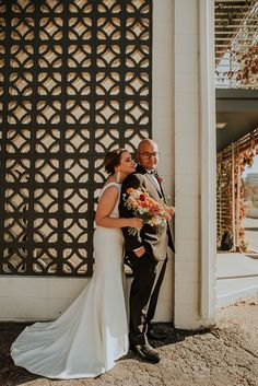 Wedding portrait in front of retro hotel | Image by Maggie Grace Photography Wedding Blog, Wedding Styles, Wedding Portraits, Wedding Photos, Maggie Grace, Bohemian Wedding Inspiration, Vintage Inspired, Photo Ideas, Wedding Photography