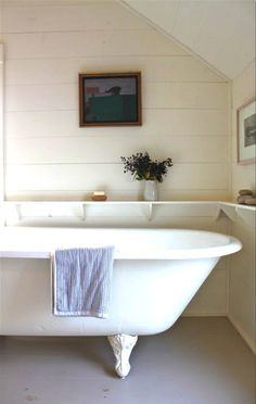 Shelves just above tub height: Harbour Cottage, Maine