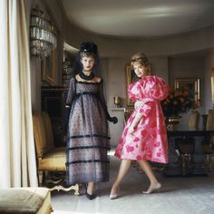 Two Models in Christian Dior Gowns-Paris, 1958 Mark Shaw 1958 1950s Fashion, Girl Fashion, Vintage Fashion, Paris Fashion, Vintage Outfits, Vintage Dresses, Vintage Clothing, Christian Dior Gowns, Celebrity Photographers