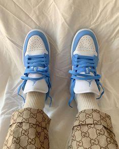La Air Jordan 1 Low UNC est disponible sur wethenew.com ➖ 📸@wideawakearthquake Nike Sb, Crazy Shoes, Me Too Shoes, Skateboard, Jordan 1 Low, Aesthetic Shoes, Hype Shoes, Fresh Shoes, Budget
