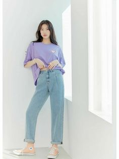 Suzy for Guess 2020 Spring 'Suzy Wide Jeans' Collection. Suzy Bae Fashion, Blackpink Fashion, Fashion Outfits, Korean Fashion Dress, Korean Street Fashion, Wide Jeans, Bae Suzy, Korean Actresses, Simple Outfits