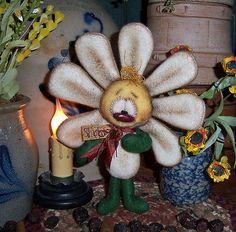 """Primitive Raggedy Ann Ornie Shasta Daisy Flower 7"""" Bear Doll Vtg Patti's Ratties"""