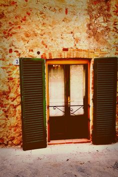 #Travel #photography The doors of #Europe...