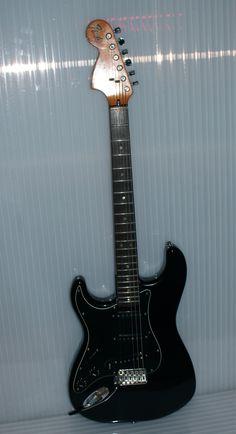 Left hand Fender 1977