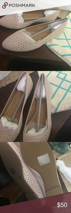 NWT lucky brand flats These are brand new from stitch fix. Stitch does not give the boxes but I have this dust bag they came in. Light pink. Soft and breathable. Very cute for summer. Size 6.5 Lucky Brand Shoes Flats & Loafers