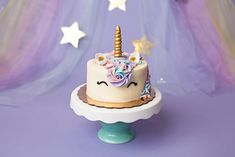 Magical unicorn first birthday smash cake. Photo by Coco Captures First Birthday Party Themes, Baby Girl First Birthday, First Birthday Cakes, Unicorn Birthday Parties, Birthday Bash, Birthday Ideas, Rainbow Unicorn Party, Smash Cake Girl, Girls Party Decorations