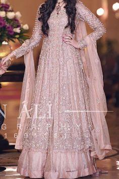 Pakistani Bridal Couture, Pakistani Bridal Dresses, Pakistani Outfits, Indian Gowns Dresses, Indian Fashion Dresses, Engagement Dress For Bride, Wedding Lehenga Designs, Walima Dress, Desi Bride
