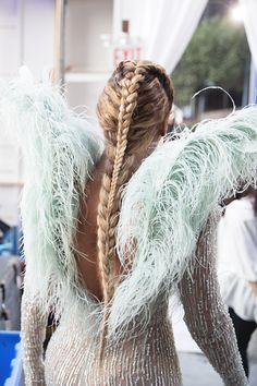 The 9 Best VMA Looks of All Time beyonce braided ponytail VMAs beyonce hair MTV video music awards Blue Ivy Carter, Beyonce Braids, Beyonce Knowles Carter, Ombré Hair, Mtv Videos, Queen B, Rihanna, Hair Styles, Braided Ponytail