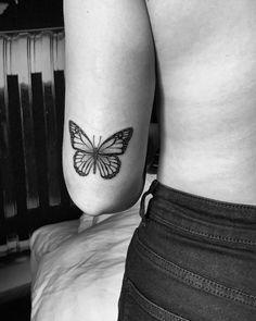 Dainty Tattoos, Dope Tattoos, Pretty Tattoos, Mini Tattoos, Body Art Tattoos, Small Tattoos, Butterfly Tattoos On Arm, Maching Tattoos, Ankle Tattoos For Women