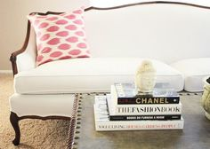 white settee. www.withlovefromkat.com