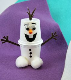 cute cups Cute K-Cup Snowman Kids Craft! Recycle your used k-cups into adorable snowmen using pom-poms, cardstock, googly eyes, and Elmer's X-TREME School Glue. These are perfect to make with your kids when they're home for winter break. Kids Crafts, K Cup Crafts, Paper Cup Crafts, Recycled Crafts Kids, Winter Crafts For Kids, Snowman Crafts, Crafts For Kids To Make, Creative Crafts, Preschool Crafts