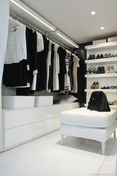 The best of luxury closet design in a selection curated by Boca do Lobo to inspire interior designers looking to finish their projects. Discover unique walk-in closet setups by the best furniture makers out there Closet Walk-in, Closet Vanity, Dressing Room Closet, Closet Bedroom, Closet Small, Dressing Rooms, Walk In Closet Design, Closet Designs, Bedroom Designs