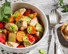 Sauté léger de petits légumes au poulet, gingembre et sauce soja : http://www.fourchette-et-bikini.fr/recettes/recettes-minceur/saute-leger-de-petits-legumes-au-poulet-gingembre-et-sauce-soja.html