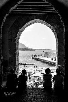 Portico Cefalù B&W rid - Porta antica