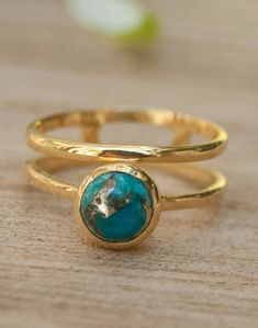Diamond Signet Ring in Gold / Star Setting Diamond Signet Ring / Gold Signet Ring / Pinky Signet Ring / Graduation Gift - Fine Jewelry Ideas Vintage Gold Engagement Rings, Round Halo Engagement Rings, Rose Gold Engagement Ring, Diamond Wedding Bands, Blue Rings, Yellow Gold Rings, Gold Turquoise Ring, Rose Gold Stackable Rings, Handmade Rings