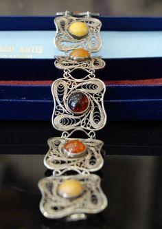 Imago Artis, bransoletka z bursztynem, filigran. Handmade Silver Jewellery, Filigree Jewelry, Amber Jewelry, Silver Filigree, Stone Jewelry, Metal Jewelry, Jewelry Art, Silver Jewelry, Vintage Jewelry