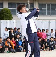 内川聖一さん、自打球で顔面が歪むwwww