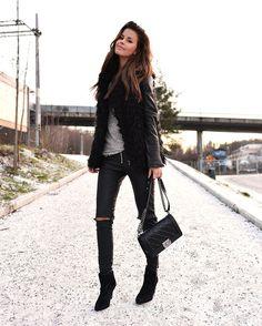 01ec855b5e7e Nettenestea outfit antrekk annette haga skinnbukse unif zara skinnjakke  faux fur pels vest chanel boy bag