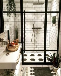Awesome 93 Cool Black And White Bathroom Design Ideashttps://oneonroom.com/93-cool-black-and-white-bathroom-design-ideas/