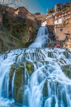 Beautiful Waterfalls, Spain And Portugal, Le Moulin, Cosmos, Spain Travel, Travel Around The World, Pretty Pictures, The Good Place, Beautiful Places