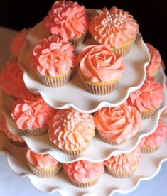 Wedding cakes with cupcakes coral beautiful 59 ideas Coral Cupcakes, Wedding Cakes With Cupcakes, Cupcake Cakes, Cupcake Ideas, Cupcakes For Bridal Shower, Summer Wedding Cupcakes, Coral Cake, Party Cupcakes, Coral Wedding Colors