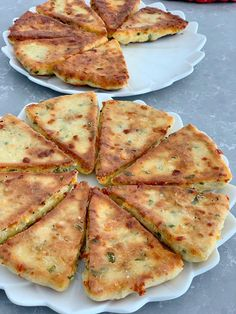 TAVADA PRATİK KAHVALTI BÖREĞİ Galette, Zucchini, Brunch, Food And Drink, Pizza, Cheese, Vegetables, Kitchens, Recipes