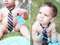Toddler. First Birthday cakesmash..