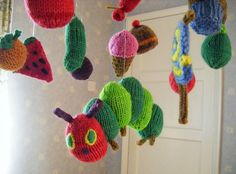 """robot-heart:  Craftzine.com blog: Knit Very Hungry Caterpillar Mobile  """