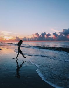 summer sunset travel far and often Summer Pictures, Beach Pictures, Sunrise Pictures, Sunset Pics, Summer Photography, Photography Poses, Travel Photography, Pinterest Photography, Nature Photography