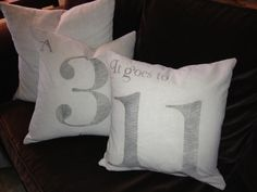 Vintage Number Music Pillows - + Printables - The Graphics Fairy DIY Tutoriaql