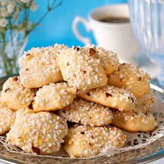 Små mandelkubbar Fika, Winter Solstice, Muffins, Food And Drink, Bread, Candy, Sweet, Desserts, Tailgate Desserts