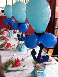Hola cotonets! Hay niños que enamoran, y Thiago es uno de ellos, nos llamó su mamá para montar algo especial en su bautizo y no lo dudamos, un estilo marinero sencillo en tonos azules. Nos encargamos de hacer la mesa dulce muy personalizada, las minutas personalizadas, las bolsitas de chucherías para los peques y …