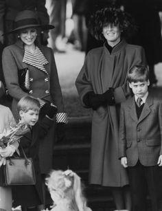 RoyalDish - Diana's Photos - Sarah Dutchess of York, Princess Diana,Princes Wills& Harry
