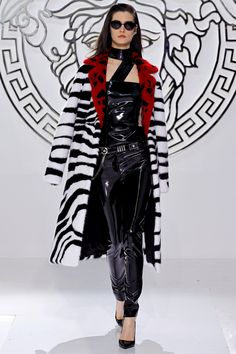 Sexy Versace Fall 2013 Collection at Milan Fashion Week - Versace - Fashion - Collection - Designer - Fall 2013 - Fashion Show